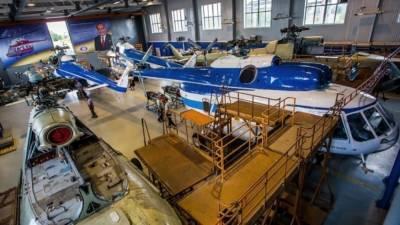 Экс-премьер Украины рассказал, как действия Киева уничтожили завод «Мотор Сич»