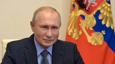Какой вакциной привился Путин, знает только его врач