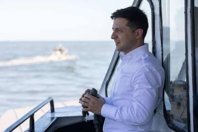 Экс-премьер Украины Азаров обвинил президента Зеленского в настоящем голодоморе