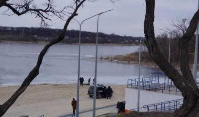 Трагедия на Днепре: маленькие дети оказались в ледяной воде, кадры с места