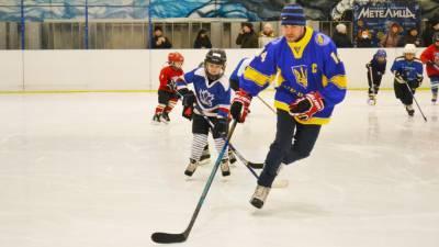 Бывшая звезда НХЛ провел тренировку для детей в Запорожье