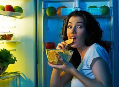 """Диетологи назвали безвредные для """"ночного перекуса"""" продукты"""
