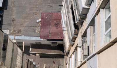 В Одессе 18-летний парень выбросился из окна: кадры и роковые подробности