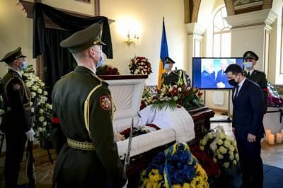 В Киеве простились с первым главой МИД Украины Анатолием Зленко: фото