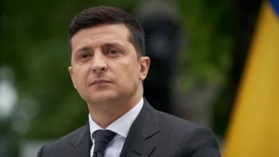 Политолог Якубин объяснил падение рейтингов Зеленского на примере шахмат