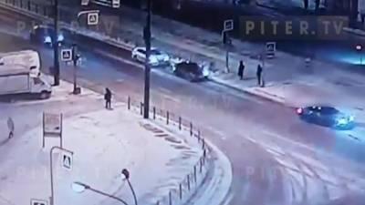 Момент массового ДТП на перекрестке Белы Куна и Бухарестской попал на видео