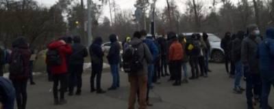 У дачи Зеленского прошел пикет с требованием освободить Стерненко