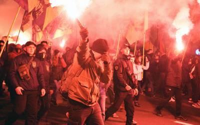 Радикалы пошли на штурм резиденции Зеленского