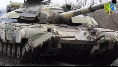 Украина провела танковые маневры на админгранице с Крымом