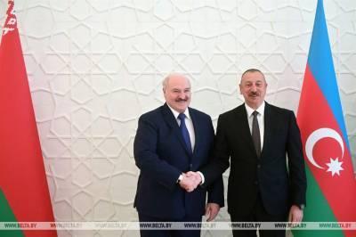Лукашенко в Баку поздравил Армению с потерей Карабаха и затарился...