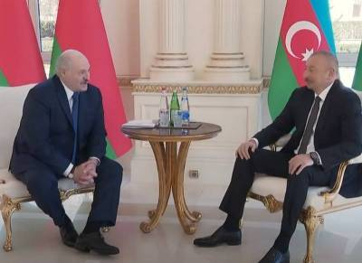 «Отношения блестящие»: Лукашенко предложил Алиеву помощь в восстановлении Карабаха