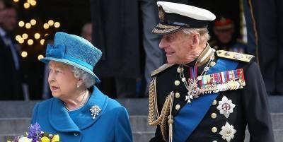 Королева сама выбрала похоронные венки для гроба принца Филиппа - Фото Елизаветы II с похорон - ТЕЛЕГРАФ