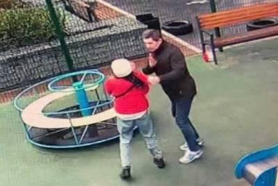 Сотрудник Офиса президента попал в скандал с детьми