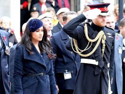 Меган Маркл почтила память принца Филиппа особым венком с запиской
