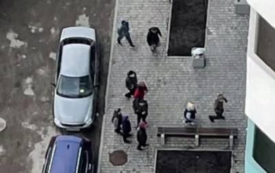 Под Киевом группа подростков избила дворника