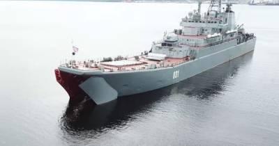"""Россия оставила часть войск в Черном море после завершения """"учений"""""""