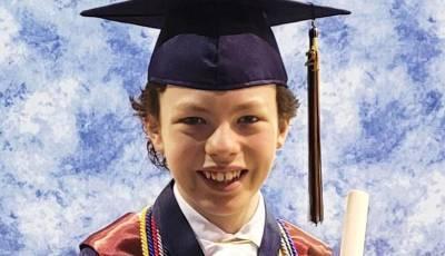 12-летний житель Северной Каролины выпустится из колледжа и школы на одной неделе
