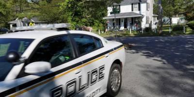 В Северной Каролине неизвестный открыл стрельбу по двум полицейским