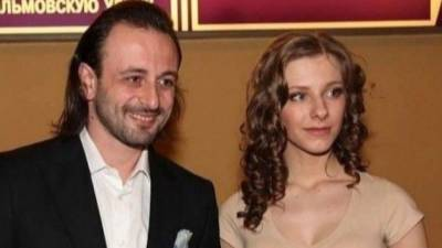 Российские знаменитости поздравили Арзамасову и Авербуха с будущим ребенком