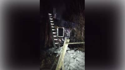 Два человека погибли при пожаре в доме в Подмосковье