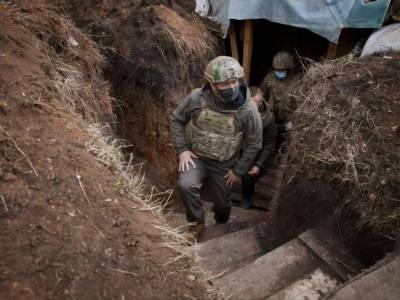 Зеленский посетил военных на Донбассе, ЕСПЧ признал законной принудительную вакцинацию. Главное за день