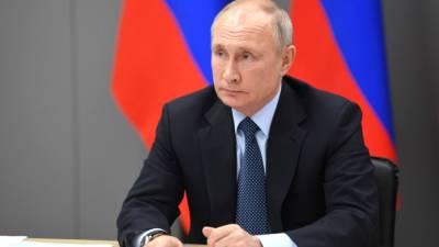 Путин назвал главной задачей борьбу за жизнь пострадавших в Казани