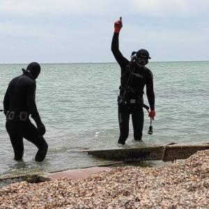 Скоро лето: запорожские спасатели обследуют акваторию дна Азовского моря. Фото