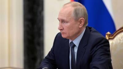 Путин посмертно наградил Орденами мужества послов в ОАЭ и в Замбии