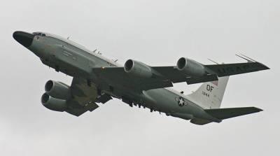 Самолет ВВС США провел разведку около российских границ