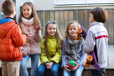 В Петербурге пересчитают детей мигрантов