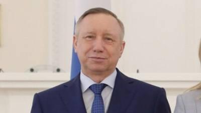 """Губернатор Петербурга избавился от """"визитной карточки"""" в виде усов"""