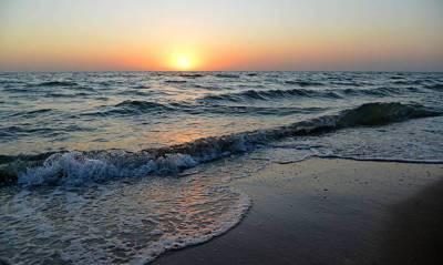 В поисках пресной воды для Крыма россияне начали бурить скважины в Азовском море