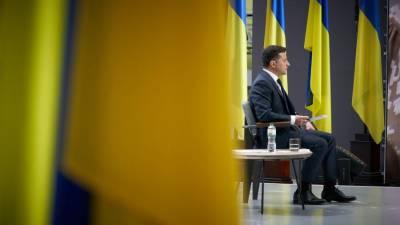 Зеленский продлил санкции против ряда граждан России