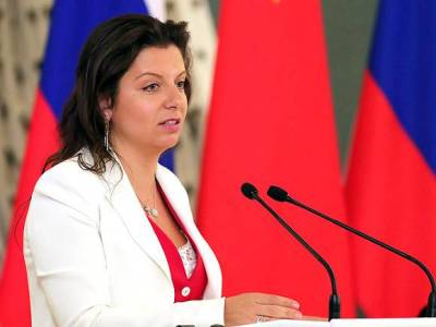 Симоньян прокомментировала ситуацию с Протасевичем стихом про Саню Соколова, который «получил по морде»