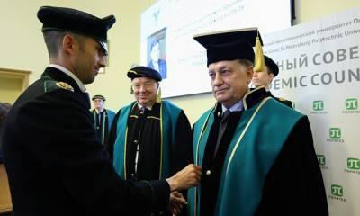 Спикер петербургского Заксобрания стал доктором