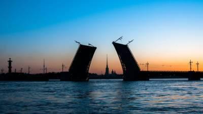 """День города в Петербурге откроют """"Поющие мосты"""" и лазерное шоу"""