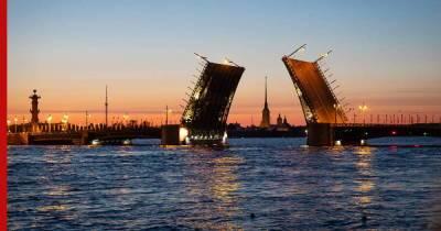 """День города в Санкт-Петербурге начнется с """"Поющих мостов"""" и лазерного шоу"""