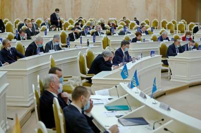 Петербургским депутатам выключили микрофон на словах про «полоумного диктатора» Лукашенко