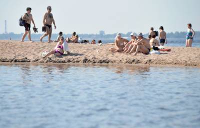 Роспотребнадзор признал воду на петербургских пляжах непригодной для купания
