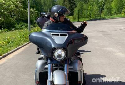 Александр Дрозденко сел на мотоцикл, чтобы объехать участки «Единой России» в Ленобласти