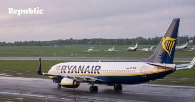 «Любой, кто думает, что рейсы Ryanair – это бастион святости, где вы можете без помех созерцать свой пупок, ошибается»