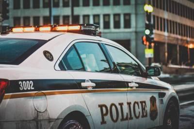 В Калифорнии мужчина напал с ножом на женщин, обе госпитализированы