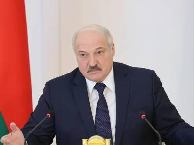 Лукашенко заявил, что Россия поставит в Беларусь современное вооружение