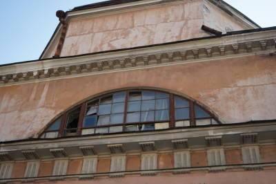 Губернатор Петербурга не стал обсуждать судьбу Конюшенного ведомства