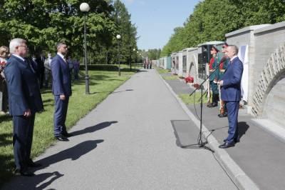 В Петербурге открыли памятник воинам из Томска и Забайкалья