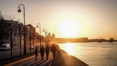 Волонтеры матчей Евро-2020 прошли вакцинацию от COVID-19 в Петербурге
