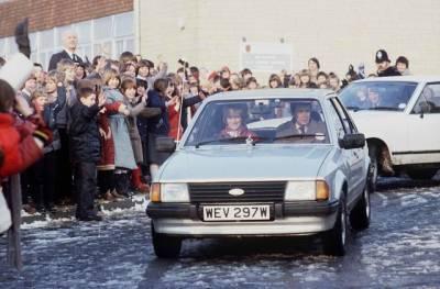 На аукционе собираются продать автомобиль принцессы Дианы, который был подарком от принца Чарльза