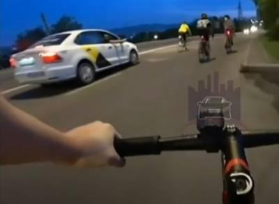 Пассажир такси, стрелявший по красноярским велосипедистам, сам явился в полицию