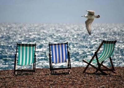 Диетолог Давыдова назвала оптимальные продукты для перекуса на пляже
