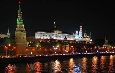 Под риторику «русские своих не бросают» Москва тихо дожимает Минск